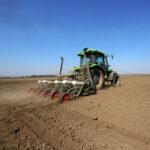 setva-soja-poljoprivreda-traktor