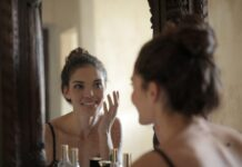 devojka-lepota-ogledalo
