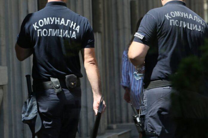 komunalna-policija-komunalni-policajci-1-830x553